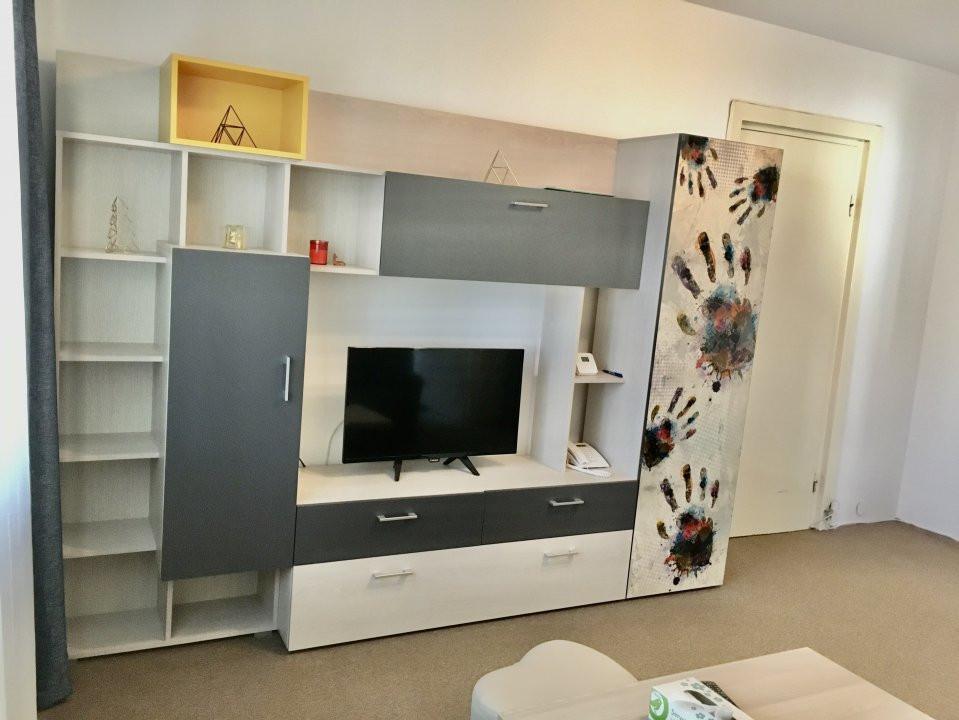 Apartament cu 2 camere, semidecomandat, de inchiriat, zona Take Ionescu. 2