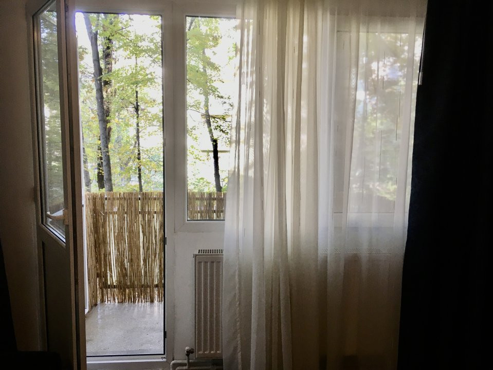 Apartament cu 2 camere, semidecomandat, de inchiriat, zona Take Ionescu. 8