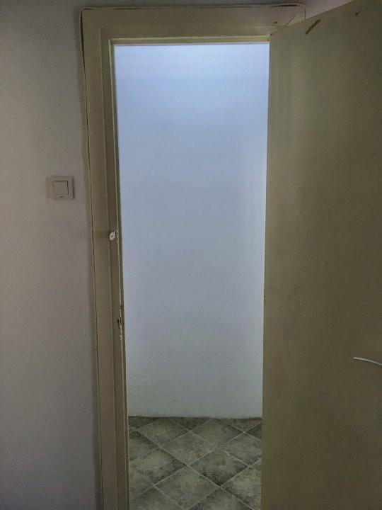 Apartament cu 2 camere, semidecomandat, de inchiriat, zona Take Ionescu. 13