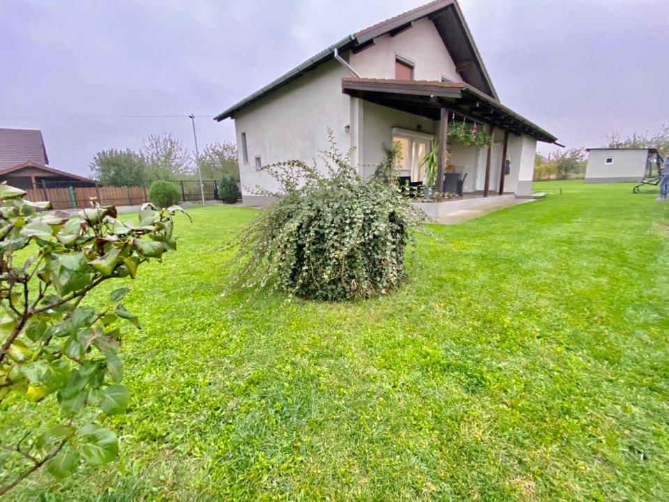Casa individuala | De vanzare | 5 camere| Giarmata Mare | 2