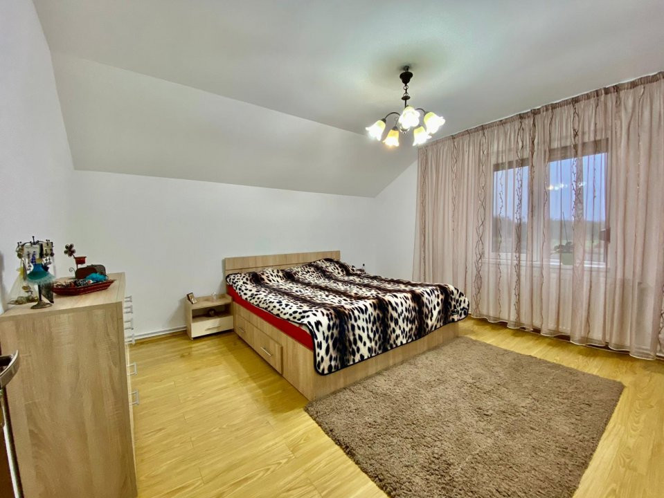 Casa individuala | De vanzare | 5 camere| Giarmata Mare | 16