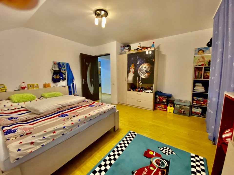 Casa individuala   De vanzare   5 camere  Giarmata Mare   20