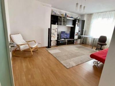 Apartament 4 camere   Decomandat   De vanzare   Foarte spatios V748