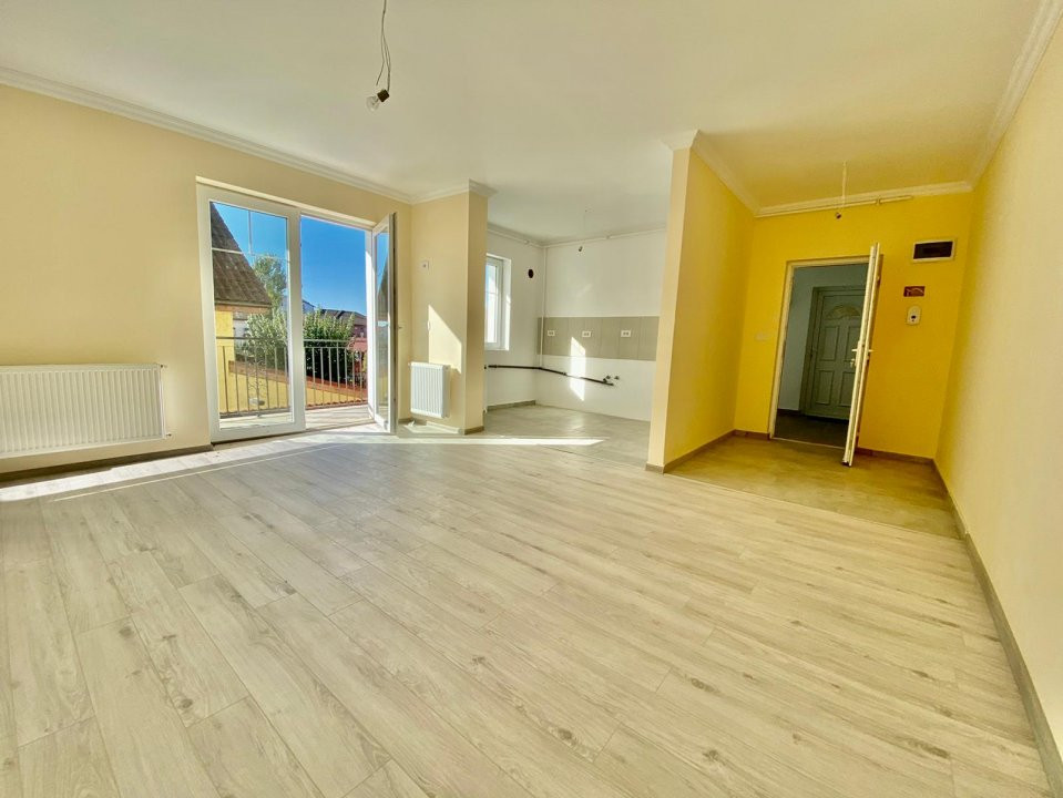 Apartament 2 camere   De vanzare   Semidecomandat   Bloc Nou V747 5