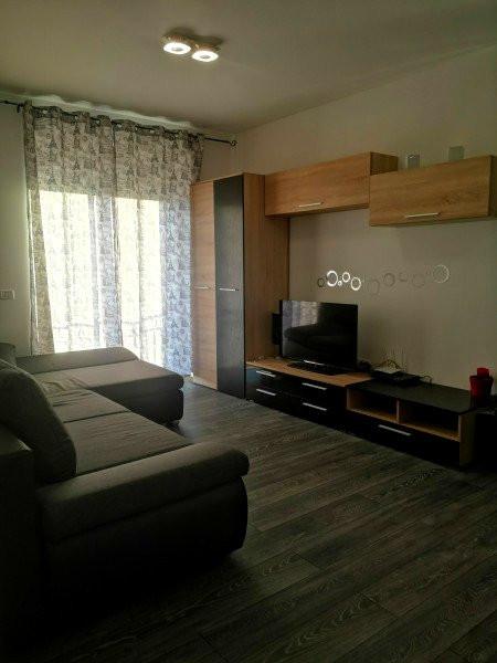 Inchiriez apartament 2 camere - Dumbravita 1