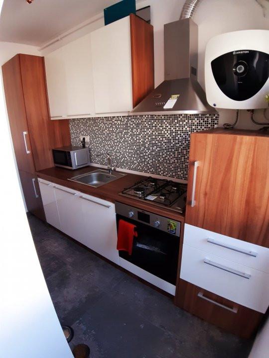 Apartament 3 camere de vanzare - Dumbravita  2
