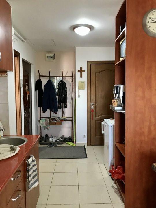 Apartament cu 3 camere, decomandat, de vanzare, zona Lipovei  5