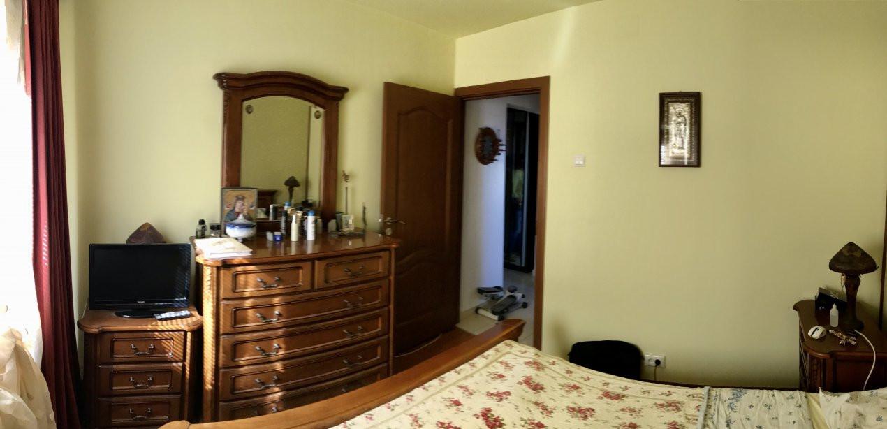 Apartament cu 3 camere, decomandat, de vanzare, zona Lipovei  9
