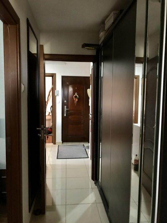 Apartament cu 3 camere, decomandat, de vanzare, zona Lipovei  11