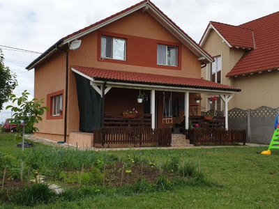 Casa 5 camere de vanzare Mosnita Veche - ID V274