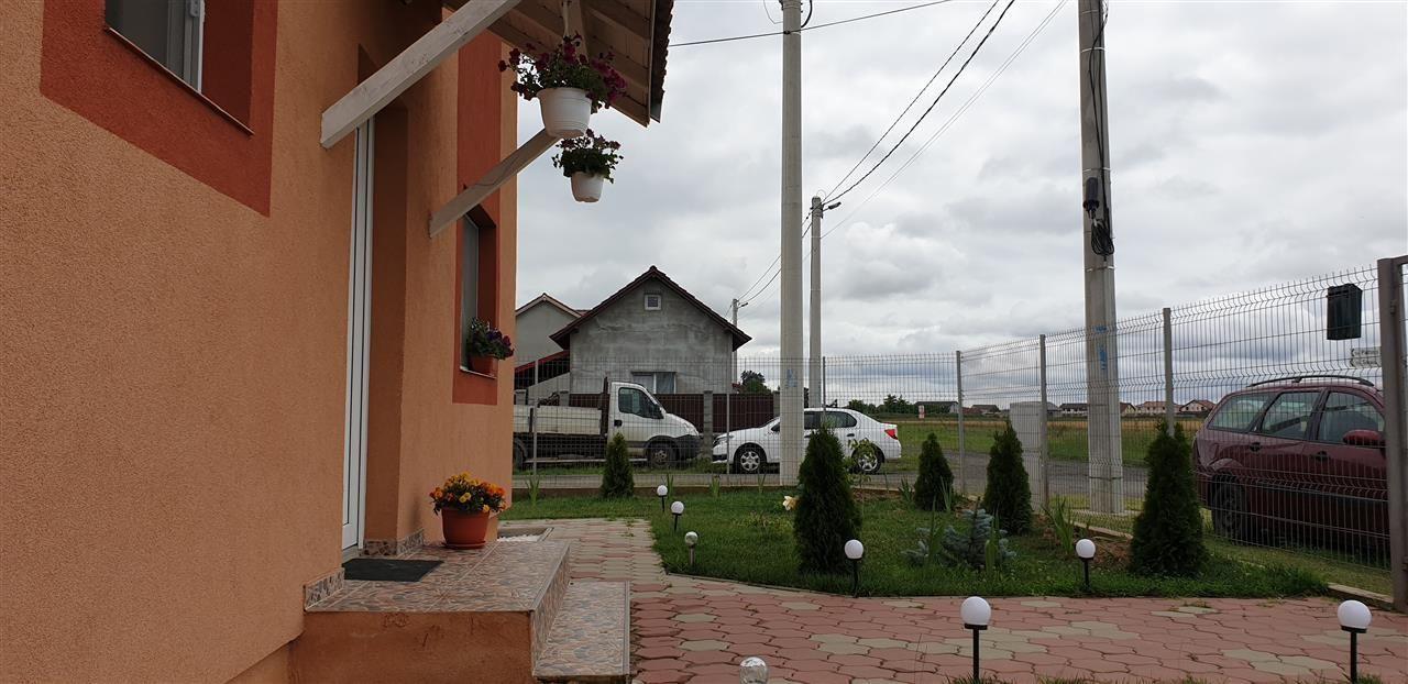Casa 5 camere de vanzare Mosnita Veche - ID V274 2