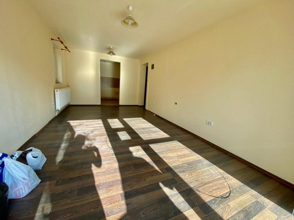 Spatiu 3 camere | De vanzare | Ideal birouri, business | 2