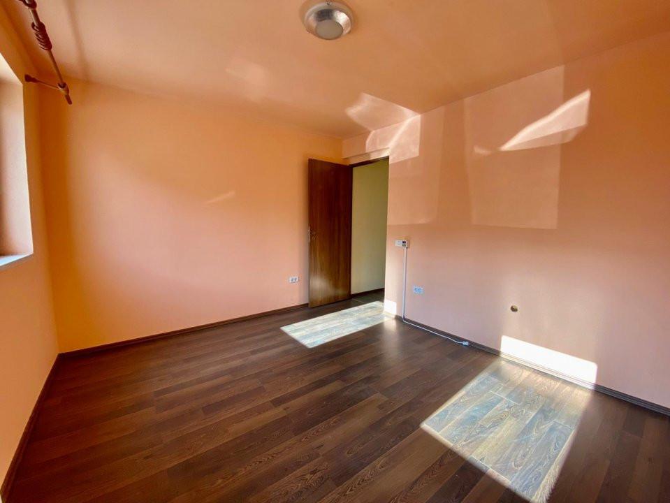 Spatiu 3 camere | De vanzare | Ideal birouri, business | 12