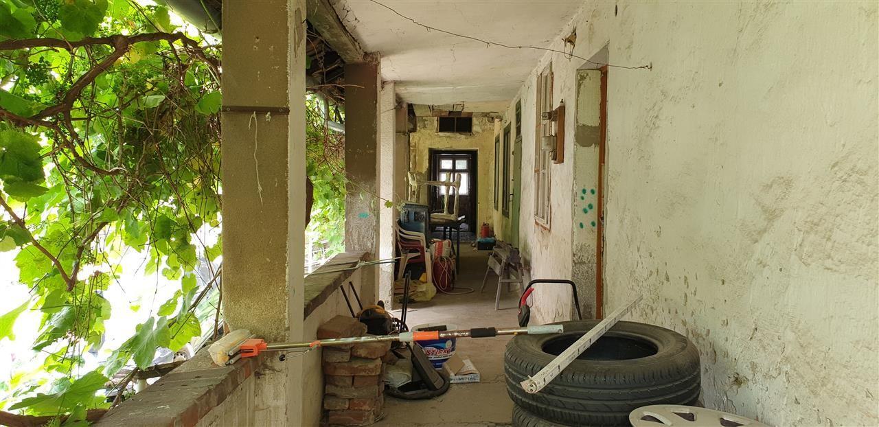 Casa de vanzare cu 3 apartamente si anexazona Fabrica de Bere - ID V270 3