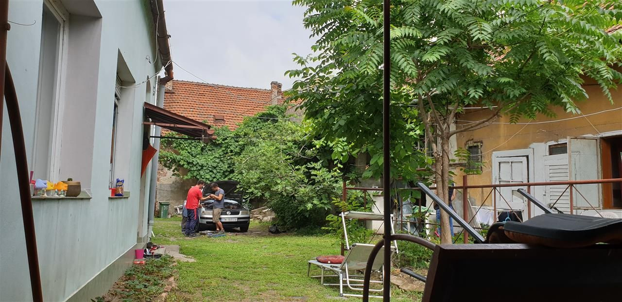 Casa de vanzare cu 3 apartamente si anexazona Fabrica de Bere - ID V270 8
