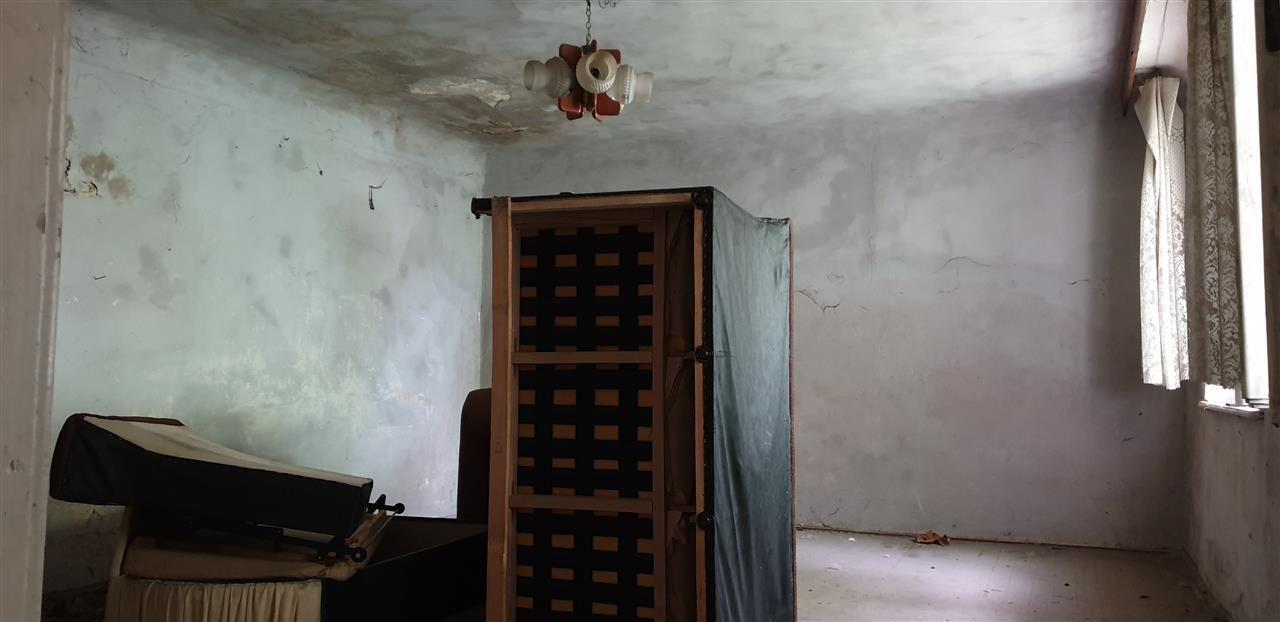 Casa de vanzare cu 3 apartamente si anexazona Fabrica de Bere - ID V270 9