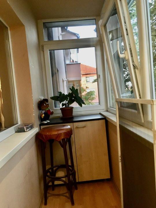 Apartament cu 3 camera, decomandat, de vanzare, zona Lipovei 16