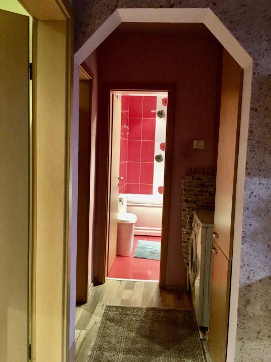 Apartament cu 3 camera, decomandat, de vanzare, zona Lipovei 17