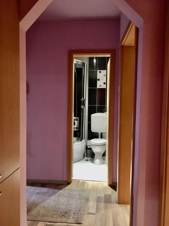 Apartament cu 3 camera, decomandat, de vanzare, zona Lipovei 18