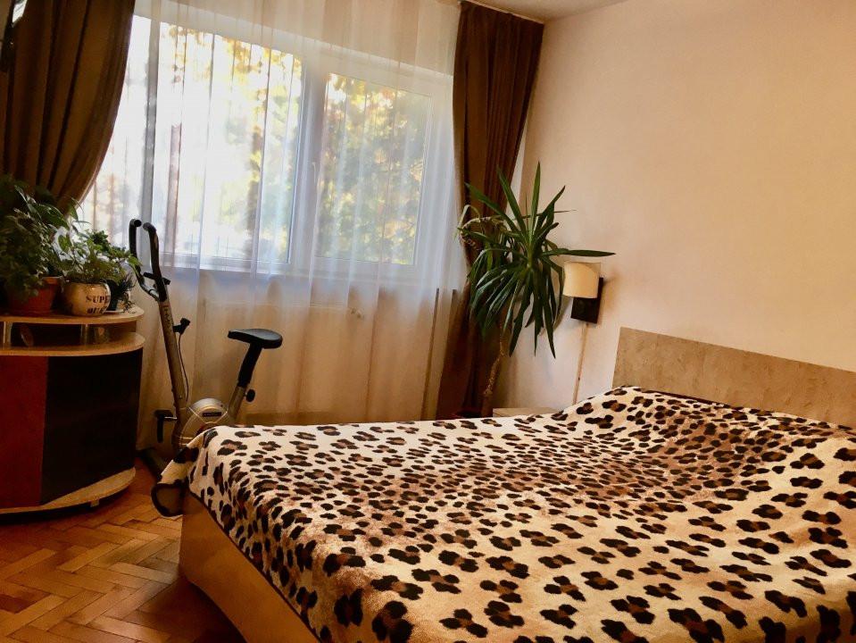 Apartament cu 4 camera, decomandat, de vanzare, zona Cetatii 3