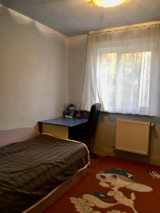 Apartament cu 4 camera, decomandat, de vanzare, zona Cetatii 11