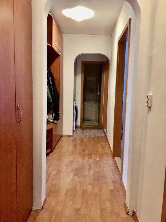 Apartament cu 4 camera, decomandat, de vanzare, zona Cetatii 14