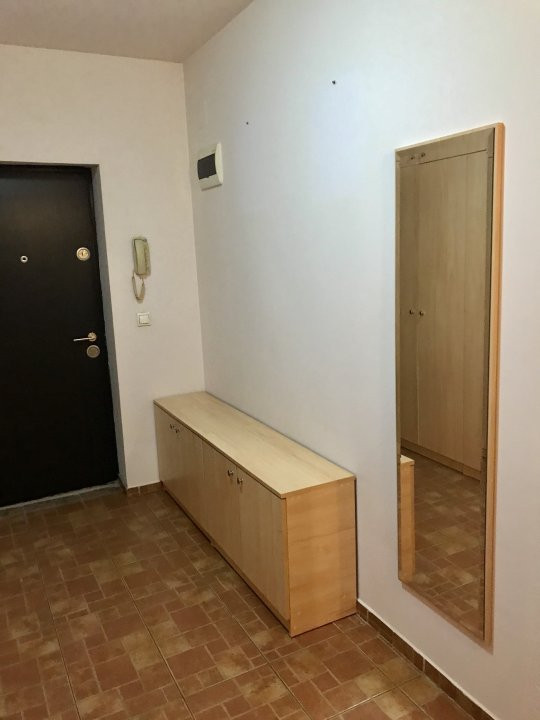 Apartament cu o camera, decomandat, de vanzare, zona Aradului 6