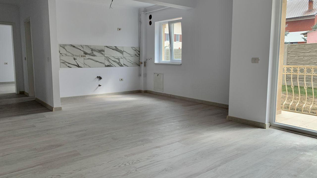 Apartament cu doua camere de vanzare | Centrala proprie | Semi-decomandat 3
