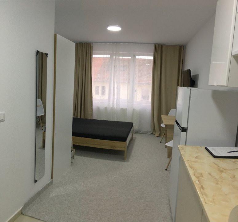 Apartament cu 1 camera, semidecomandat, de inchiriat, zona Lipovei. 1