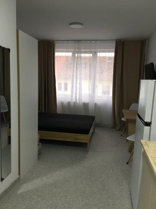 Apartament cu 1 camera, semidecomandat, de inchiriat, zona Lipovei. 10