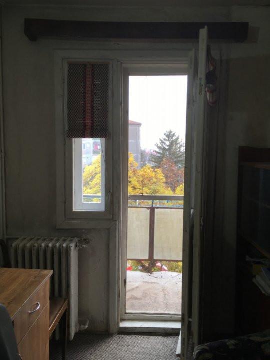 Apartament cu 3 camere, semidecomandat, de vanzare, zona Cetatii. 8