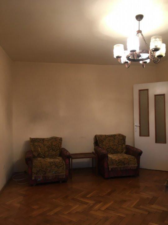 Apartament cu 3 camera, decomandat, de vanzare, zona Torontalului. 3
