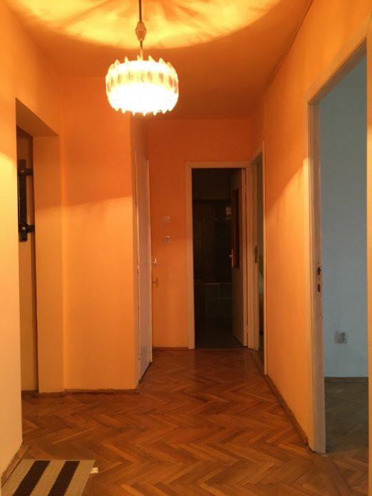 Apartament cu 3 camera, decomandat, de vanzare, zona Torontalului. 4