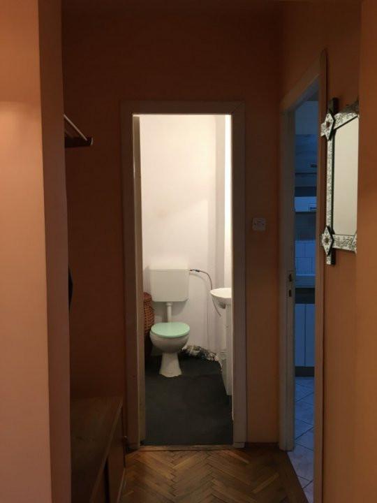 Apartament cu 3 camera, decomandat, de vanzare, zona Torontalului. 10