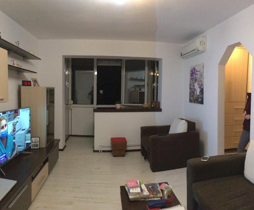 Apartament cu 3 camere, semidecomandat, de vanzare, zona Dacia Comision 0%. 1