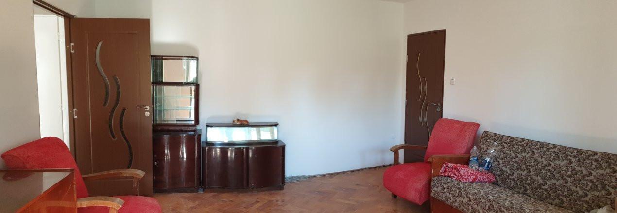 Apartament 2 camere de confort 1 de vanzare Zona Modern 6
