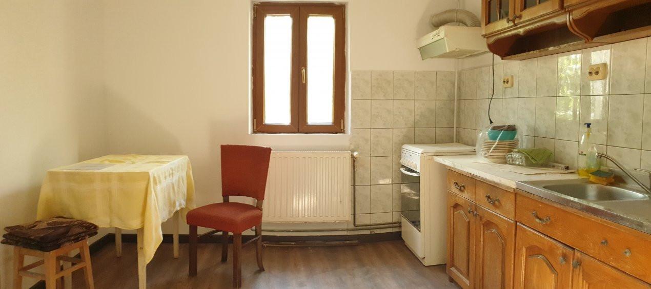 Apartament 2 camere de confort 1 de vanzare Zona Modern 1