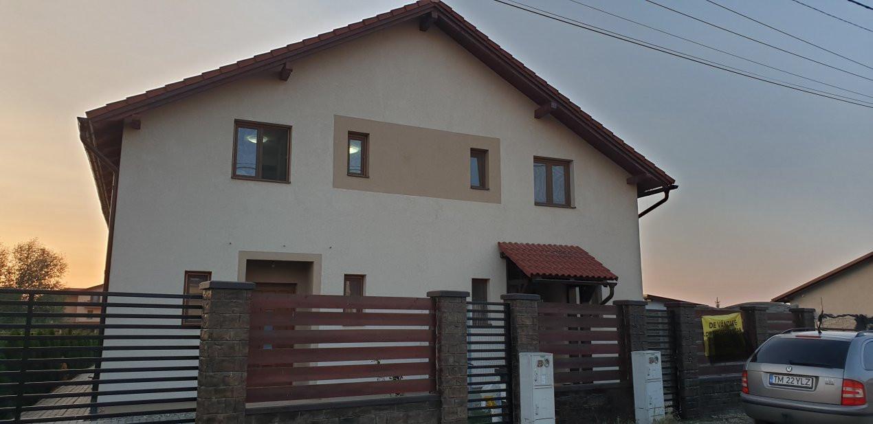 Casa tip duplex 4 camere de vanzare Mosnita Noua 1
