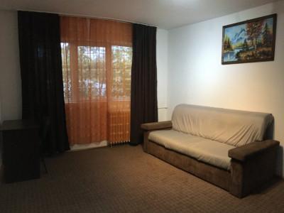 Apartament cu 2 camere, semidecomandat, de vanzare, zona Take Ionescu.