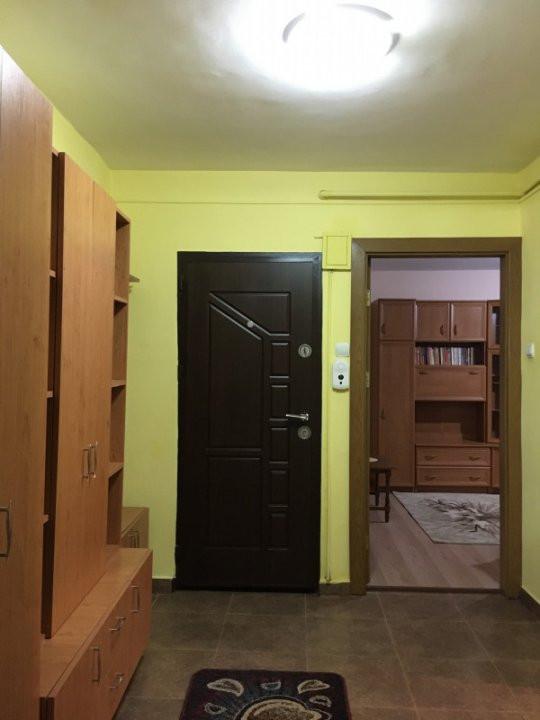Apartament cu 2 camere, decomandat, de vanzare, zona Lipovei. 9