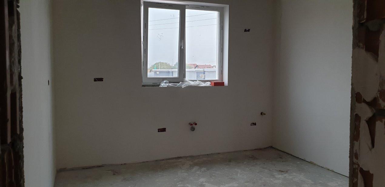 Casa tip duplex 4 camere de vanzare Mosnita Noua 8