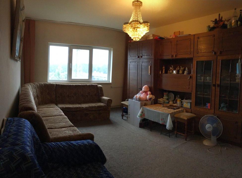 Apartament cu 3 camere, decomandat, de vanzare, zona Lipovei. 1