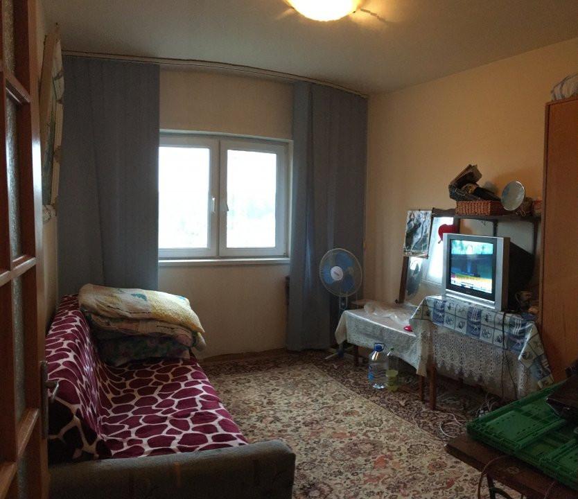 Apartament cu 3 camere, decomandat, de vanzare, zona Lipovei. 5
