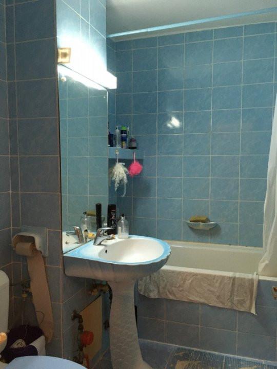 Apartament cu 3 camere, decomandat, de vanzare, zona Lipovei. 8
