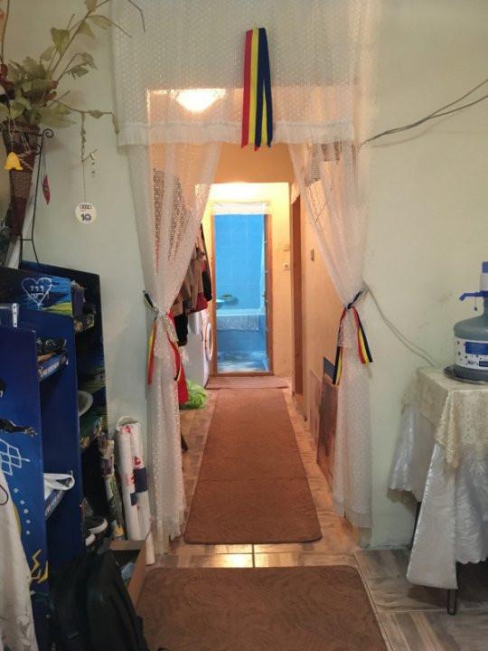 Apartament cu 3 camere, decomandat, de vanzare, zona Lipovei. 10