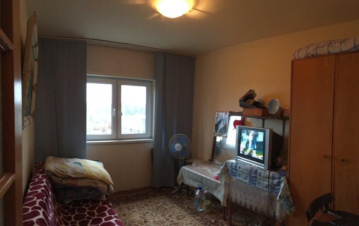 Apartament cu 3 camere, decomandat, de vanzare, zona Lipovei. 12