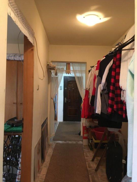 Apartament cu 3 camere, decomandat, de vanzare, zona Lipovei. 13