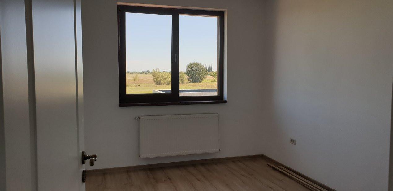 Duplex de inchiriat 4 camere Mosnita Noua 13