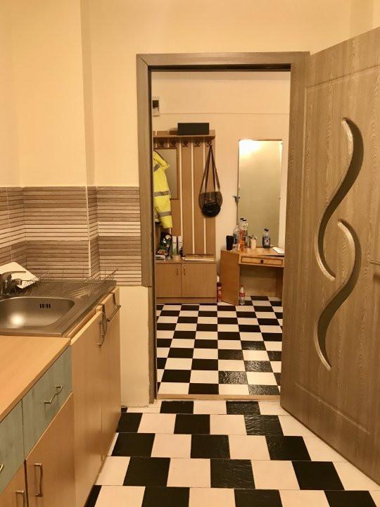 Apartament cu 2 camere, decomandat, de vanzare, zona Lipovei  5
