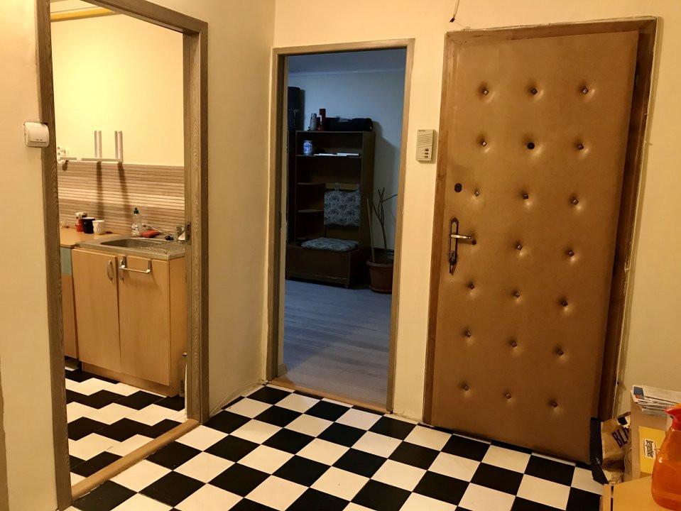 Apartament cu 2 camere, decomandat, de vanzare, zona Lipovei  7
